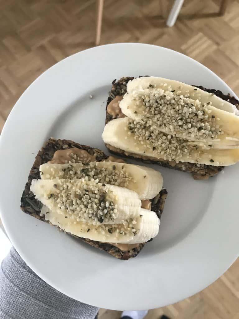 Life-Changing Bread mit Banane